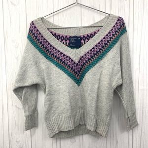AMERICAN EAGLE V-NECK OFF SHOULDER CROP SWEATER S